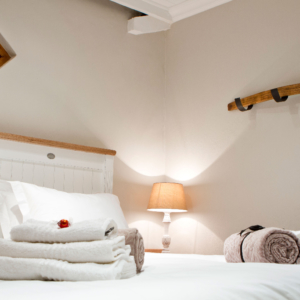 Black Oystercatcher Cottages bedroom